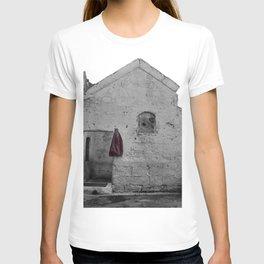 Sassi di Matera with red jacket T-shirt