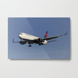 Delta Airlines Boeing 767-332 Metal Print
