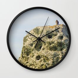 Hanging on a Stone-edge Wall Clock