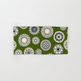 mandala cirque spot green Hand & Bath Towel
