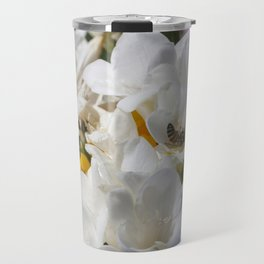 Bee on its back Travel Mug