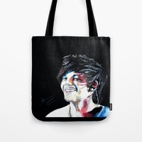 louis tomlinson Tote Bags featuring Louis Tomlinson by Mimirainb0w