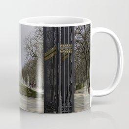 Parque de Madrid entrance Coffee Mug