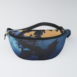Wolf howling at the full moon Fanny Pack