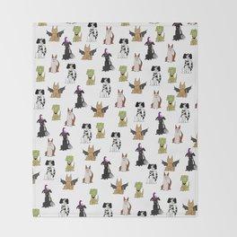Howl-o-ween Throw Blanket