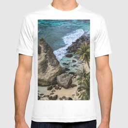 Rocky cliff, Blue Ocean Waves and Palm trees at Diamond beach Bali T-shirt