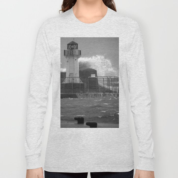 Ardrossan Lighthouse Versus the Sea Long Sleeve T-shirt
