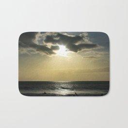 E ala mai o loko i ke kuhohonu o ke Aloha Kamaole Beach Bath Mat