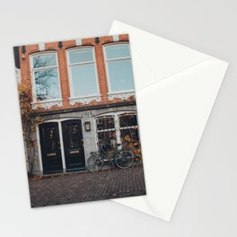 BLACK BICYCLE PARKED ON WALL Stationery Cards