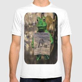 Froggy Reads the Wall Street Journal T-shirt