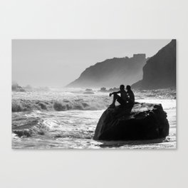 Block Island in Black and White (Couple at Mohegan Bluffs) Canvas Print