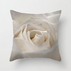 White Rose 9448 Throw Pillow