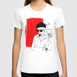 divai nyekundu T-shirt
