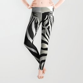 a zebra head portrait Leggings