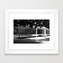 farnsworth house Framed Art Print