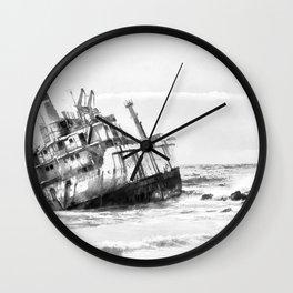 shipwreck aqrebw Wall Clock