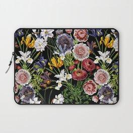 Vintage & Shabby Chic - Lush baroque flower pattern Laptop Sleeve
