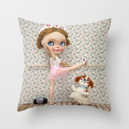 BALLET BLYTHE DOLL ERREGIRO Throw Pillow