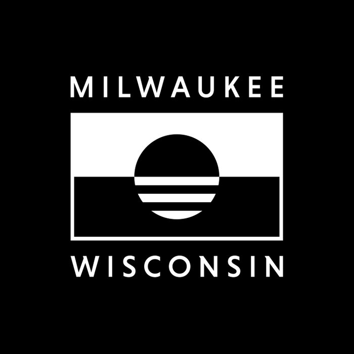 Milwaukee Wisconsin - Black - People's Flag of Milwaukee Duvet Cover