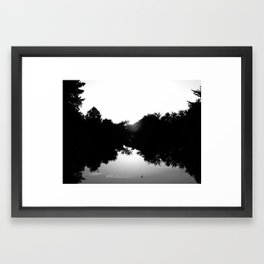 blanc noir y gris Framed Art Print