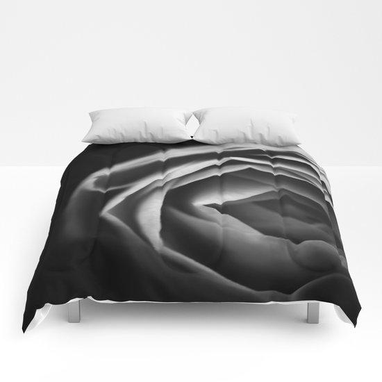 Pfingstrose Comforters