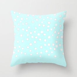 Neige du matin Throw Pillow