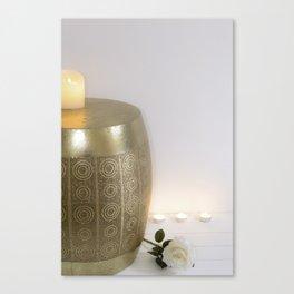 Velas y decoración hindu minimalista Canvas Print
