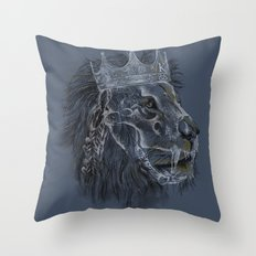 king forever Throw Pillow
