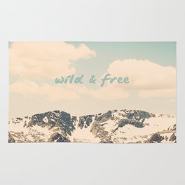 Wild and Free Faded Colorado Mountains Landscape, Clouds, blue skies, rockies Rug