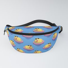 Chick on vacation Fanny Pack