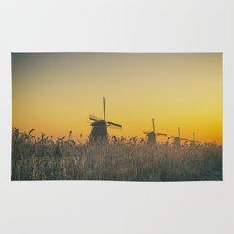 Sunrise at Kinderdijk III Rug