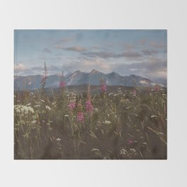 Mountain vibes - Landscape and Nature Photography Throw Blanket