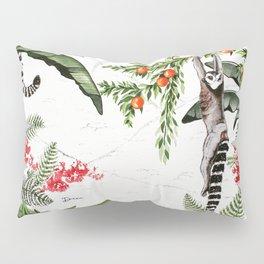 Ring-tailed lemurs of Madagascar .1 Pillow Sham