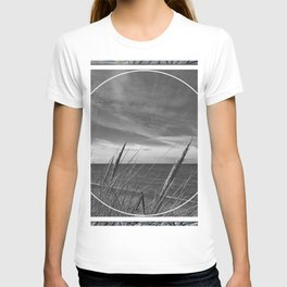 Before the storm - circle/square T-shirt