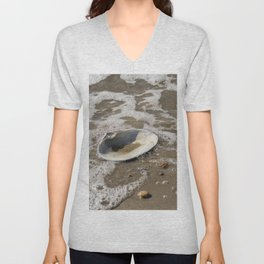 Clam shell against the tide Unisex V-Neck