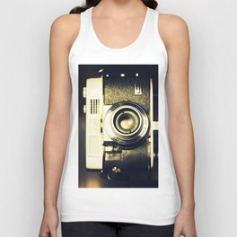 The heart and mind are the true lens of the camera Unisex Tank Top