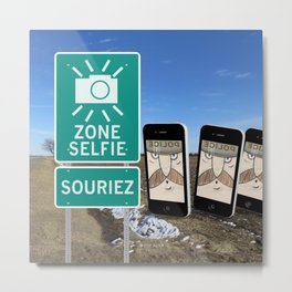 Zone Selfie - Souriez Metal Print