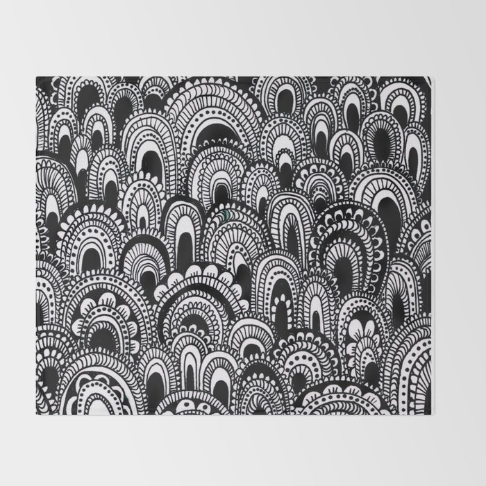 black and white scallops Throw Blanket