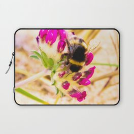 bumble been on a dune flower Laptop Sleeve