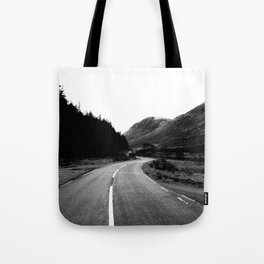 Road through the Glen - B/W Tote Bag