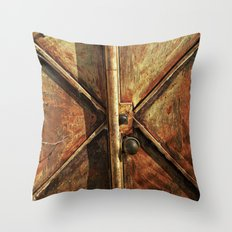 Pátina Throw Pillow