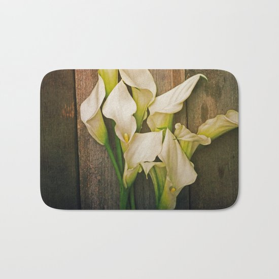 Simplicity is the Ultimate Sophistication Bath Mat