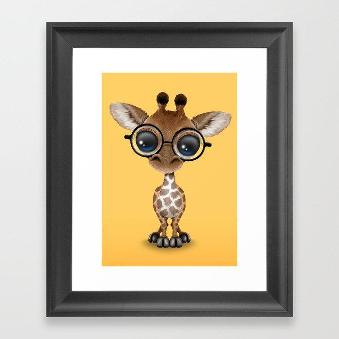 Cute Curious Baby Giraffe Wearing Glasses Gerahmter Kunstdruck