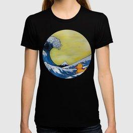 MOUNT FUJI VS RUBBER DUCK T-shirt