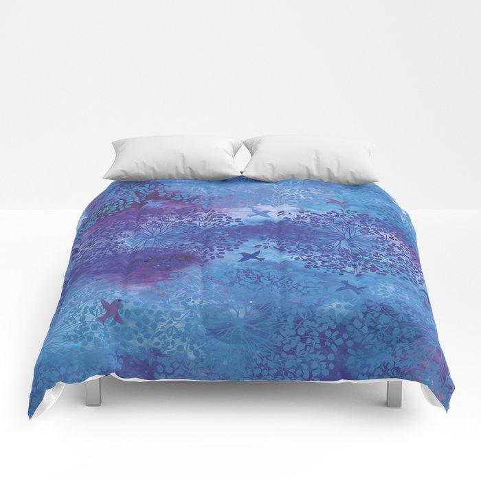 Bilberry queen Comforters
