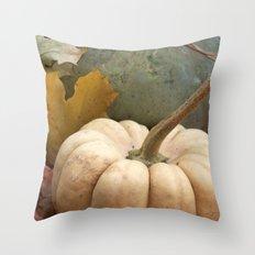 pumpkin lovin' Throw Pillow