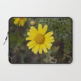 Daisy flower cu yellow Laptop Sleeve