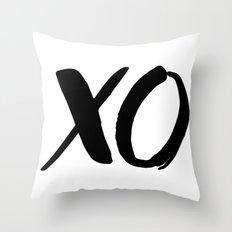 XO - Minimalist Typography - Love Throw Pillow