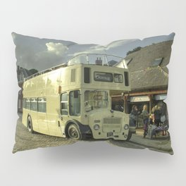 Lodekka Gold Pillow Sham