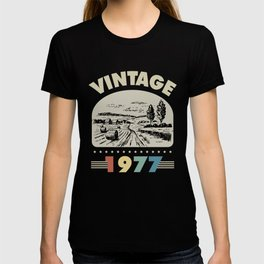 Birthday Gift Vintage 1977 Classic T-shirt
